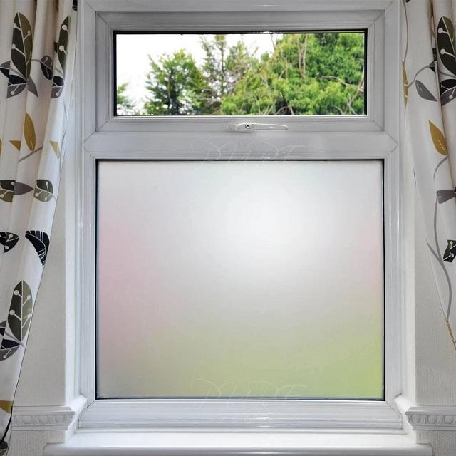Decal cửa kính mờ có thể cản ánh sáng