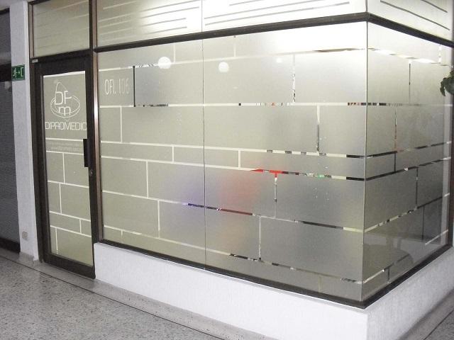 Decal dán kính mờ là sự lựa chọn của nhiều khách hàng