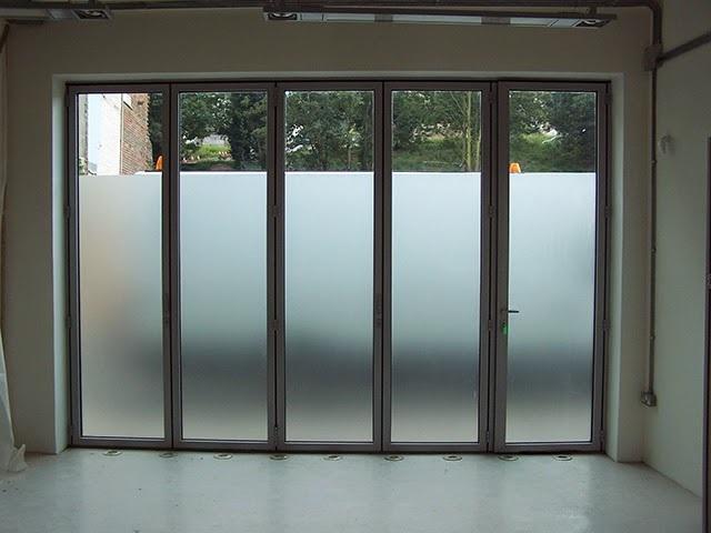 Decal dán cửa kính chống nắng
